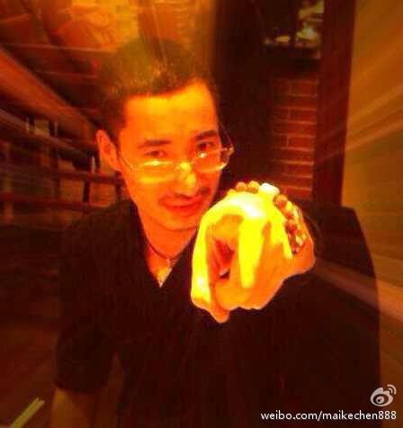 教主迈克陈-和讯财经微博-一个美女说狼行千里