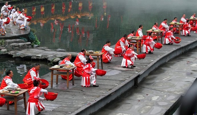 """都江堰放水节,绵延千年的""""水狂欢"""""""