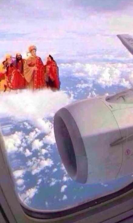 搞笑短信笑话-和讯财经微博-第一次坐飞机 无意中往外